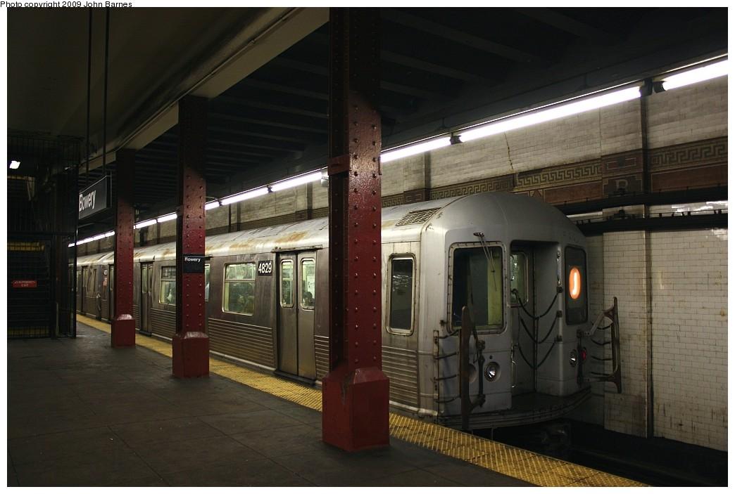 (171k, 1044x703)<br><b>Country:</b> United States<br><b>City:</b> New York<br><b>System:</b> New York City Transit<br><b>Line:</b> BMT Nassau Street/Jamaica Line<br><b>Location:</b> Bowery <br><b>Route:</b> J<br><b>Car:</b> R-42 (St. Louis, 1969-1970)  4829 <br><b>Photo by:</b> John Barnes<br><b>Date:</b> 6/15/2009<br><b>Viewed (this week/total):</b> 4 / 1619