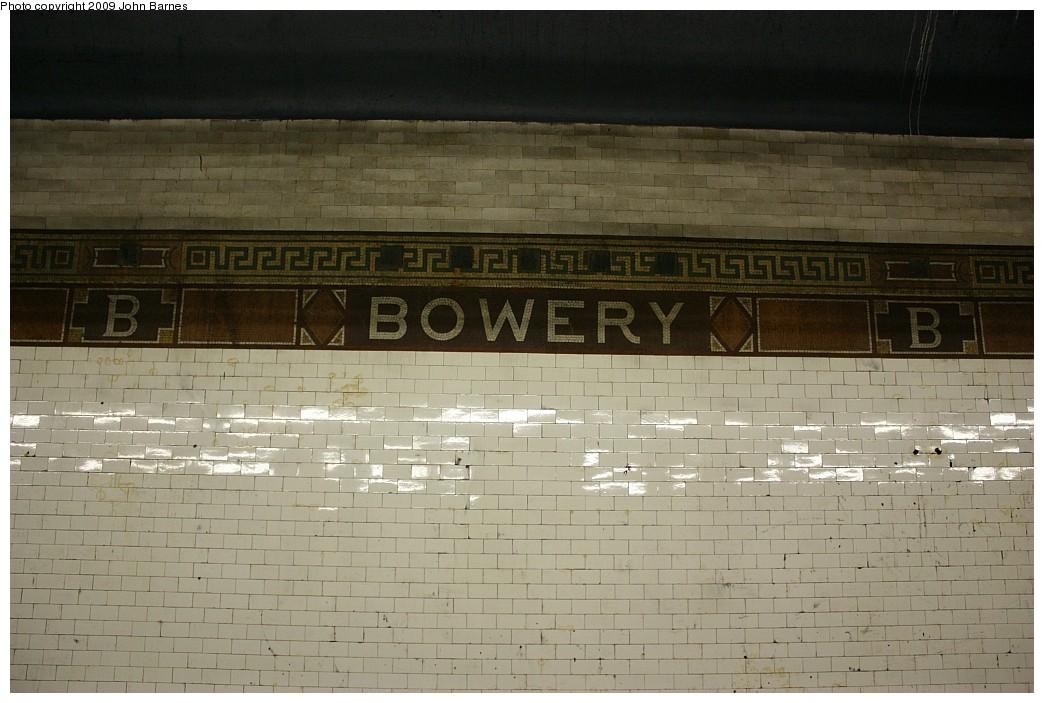 (184k, 1044x703)<br><b>Country:</b> United States<br><b>City:</b> New York<br><b>System:</b> New York City Transit<br><b>Line:</b> BMT Nassau Street/Jamaica Line<br><b>Location:</b> Bowery <br><b>Photo by:</b> John Barnes<br><b>Date:</b> 6/15/2009<br><b>Notes:</b> Tile name tablet.<br><b>Viewed (this week/total):</b> 1 / 1074