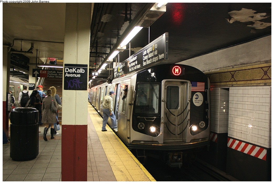 (208k, 1044x703)<br><b>Country:</b> United States<br><b>City:</b> New York<br><b>System:</b> New York City Transit<br><b>Location:</b> DeKalb Avenue<br><b>Route:</b> M<br><b>Car:</b> R-160A-1 (Alstom, 2005-2008, 4 car sets)  8528 <br><b>Photo by:</b> John Barnes<br><b>Date:</b> 6/15/2009<br><b>Viewed (this week/total):</b> 2 / 1930