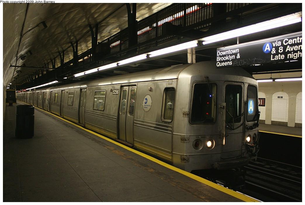 (199k, 1044x703)<br><b>Country:</b> United States<br><b>City:</b> New York<br><b>System:</b> New York City Transit<br><b>Line:</b> IND 8th Avenue Line<br><b>Location:</b> 181st Street <br><b>Route:</b> A<br><b>Car:</b> R-44 (St. Louis, 1971-73) 5256 <br><b>Photo by:</b> John Barnes<br><b>Date:</b> 6/15/2009<br><b>Viewed (this week/total):</b> 0 / 1357