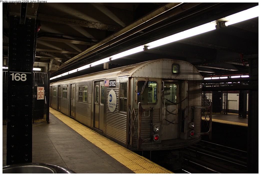 (192k, 1044x703)<br><b>Country:</b> United States<br><b>City:</b> New York<br><b>System:</b> New York City Transit<br><b>Line:</b> IND 8th Avenue Line<br><b>Location:</b> 168th Street <br><b>Route:</b> C<br><b>Car:</b> R-32 (Budd, 1964)  3782 <br><b>Photo by:</b> John Barnes<br><b>Date:</b> 6/15/2009<br><b>Viewed (this week/total):</b> 0 / 1265
