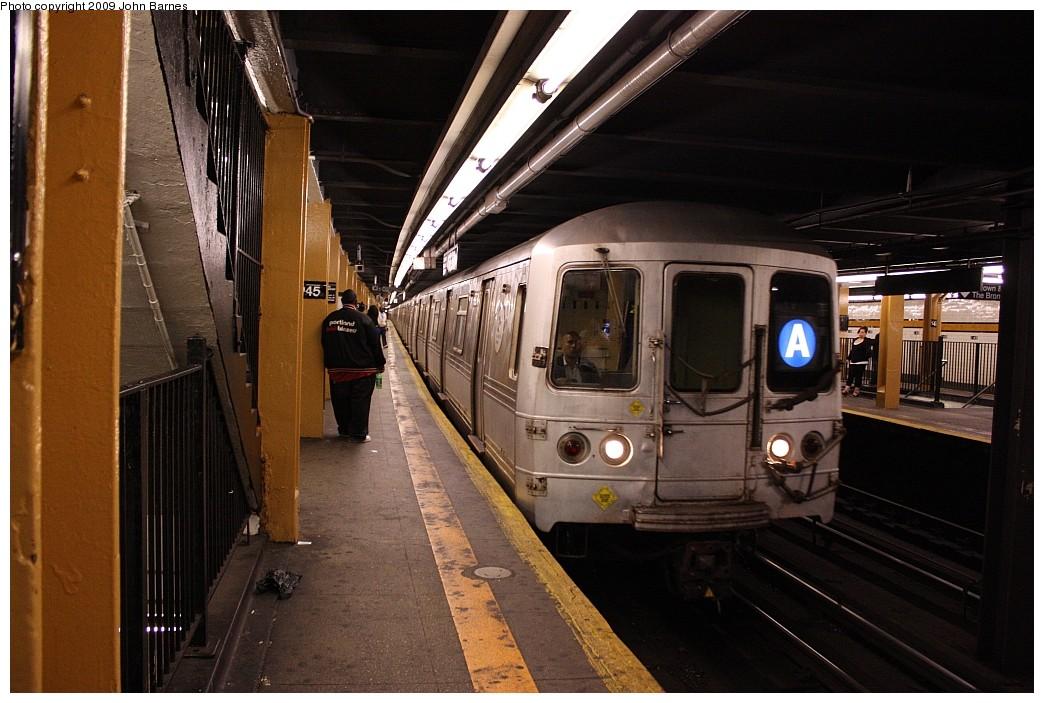 (204k, 1044x703)<br><b>Country:</b> United States<br><b>City:</b> New York<br><b>System:</b> New York City Transit<br><b>Line:</b> IND 8th Avenue Line<br><b>Location:</b> 145th Street <br><b>Route:</b> A<br><b>Car:</b> R-44 (St. Louis, 1971-73) 5274 <br><b>Photo by:</b> John Barnes<br><b>Date:</b> 6/15/2009<br><b>Viewed (this week/total):</b> 1 / 1739