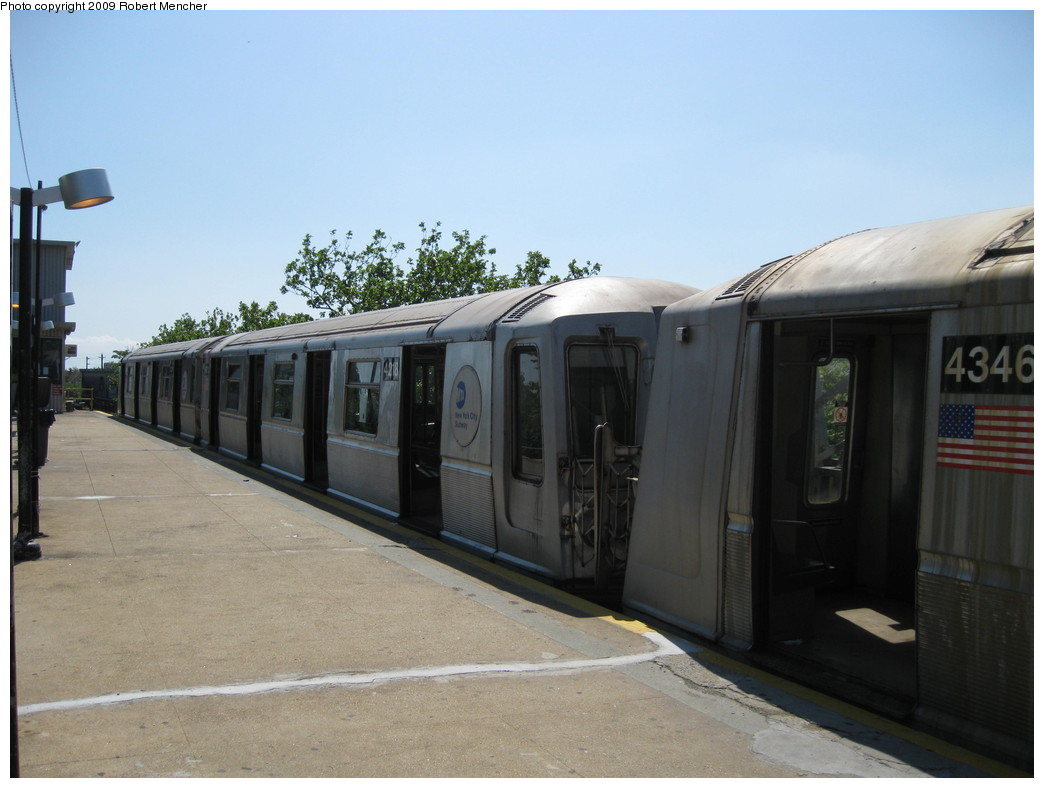 (168k, 1044x788)<br><b>Country:</b> United States<br><b>City:</b> New York<br><b>System:</b> New York City Transit<br><b>Line:</b> IND Rockaway<br><b>Location:</b> Mott Avenue/Far Rockaway <br><b>Route:</b> A<br><b>Car:</b> R-40 (St. Louis, 1968)  4218 <br><b>Photo by:</b> Robert Mencher<br><b>Date:</b> 6/6/2009<br><b>Viewed (this week/total):</b> 0 / 747