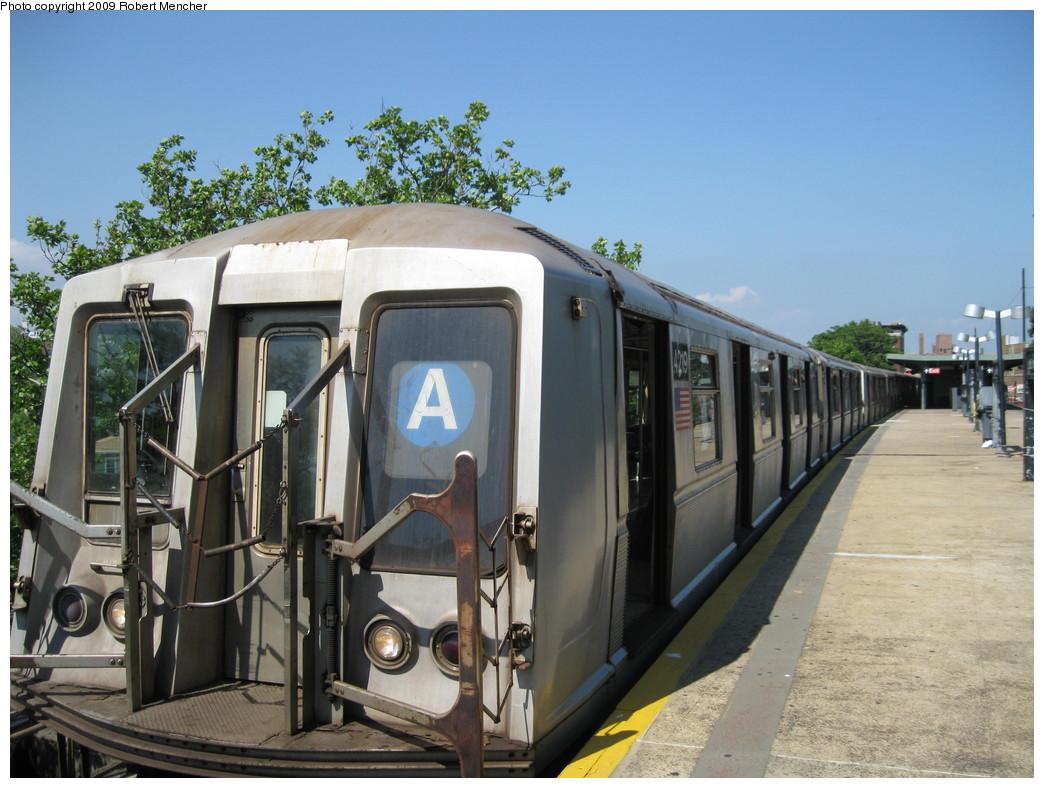 (221k, 1044x788)<br><b>Country:</b> United States<br><b>City:</b> New York<br><b>System:</b> New York City Transit<br><b>Line:</b> IND Rockaway<br><b>Location:</b> Mott Avenue/Far Rockaway <br><b>Route:</b> A<br><b>Car:</b> R-40 (St. Louis, 1968)  4219 <br><b>Photo by:</b> Robert Mencher<br><b>Date:</b> 6/6/2009<br><b>Viewed (this week/total):</b> 0 / 734