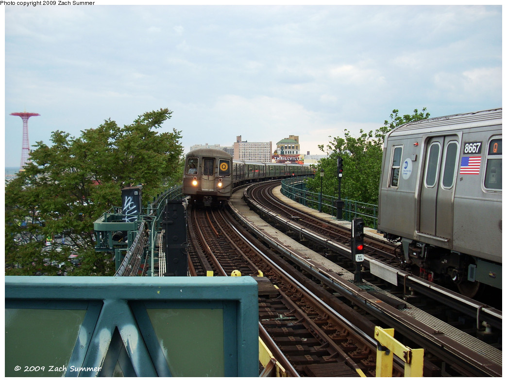 (280k, 1044x788)<br><b>Country:</b> United States<br><b>City:</b> New York<br><b>System:</b> New York City Transit<br><b>Line:</b> BMT Brighton Line<br><b>Location:</b> West 8th Street <br><b>Route:</b> Q<br><b>Car:</b> R-68 (Westinghouse-Amrail, 1986-1988)  2834 <br><b>Photo by:</b> Zach Summer<br><b>Date:</b> 5/31/2009<br><b>Notes:</b> With R160A 8667 on Q<br><b>Viewed (this week/total):</b> 2 / 1299