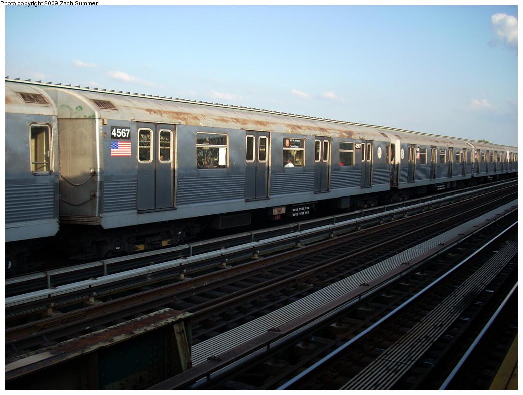 (230k, 1044x788)<br><b>Country:</b> United States<br><b>City:</b> New York<br><b>System:</b> New York City Transit<br><b>Line:</b> BMT Culver Line<br><b>Location:</b> Avenue N <br><b>Route:</b> F<br><b>Car:</b> R-42 (St. Louis, 1969-1970)  4567 <br><b>Photo by:</b> Zach Summer<br><b>Date:</b> 5/31/2009<br><b>Viewed (this week/total):</b> 1 / 1073