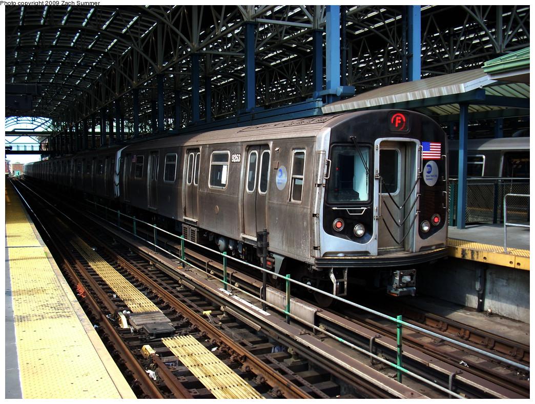 (376k, 1044x788)<br><b>Country:</b> United States<br><b>City:</b> New York<br><b>System:</b> New York City Transit<br><b>Location:</b> Coney Island/Stillwell Avenue<br><b>Route:</b> F<br><b>Car:</b> R-160A (Option 1) (Alstom, 2008-2009, 5 car sets)  9253 <br><b>Photo by:</b> Zach Summer<br><b>Date:</b> 6/2/2009<br><b>Viewed (this week/total):</b> 1 / 1530