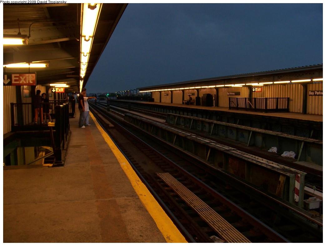 (184k, 1044x788)<br><b>Country:</b> United States<br><b>City:</b> New York<br><b>System:</b> New York City Transit<br><b>Line:</b> BMT Culver Line<br><b>Location:</b> Bay Parkway (22nd Avenue) <br><b>Photo by:</b> David Tropiansky<br><b>Date:</b> 6/13/2009<br><b>Viewed (this week/total):</b> 1 / 984