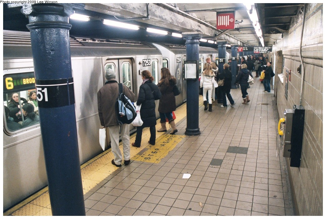 (225k, 1044x703)<br><b>Country:</b> United States<br><b>City:</b> New York<br><b>System:</b> New York City Transit<br><b>Line:</b> IRT East Side Line<br><b>Location:</b> 51st Street <br><b>Photo by:</b> Lee Winson<br><b>Date:</b> 12/2008<br><b>Viewed (this week/total):</b> 2 / 1362