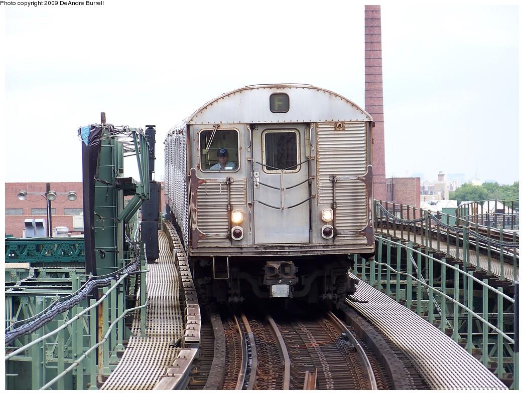 (257k, 1044x788)<br><b>Country:</b> United States<br><b>City:</b> New York<br><b>System:</b> New York City Transit<br><b>Line:</b> BMT Culver Line<br><b>Location:</b> Neptune Avenue <br><b>Route:</b> F<br><b>Car:</b> R-32 (Budd, 1964)  3520 <br><b>Photo by:</b> DeAndre Burrell<br><b>Date:</b> 6/2009<br><b>Viewed (this week/total):</b> 1 / 1348