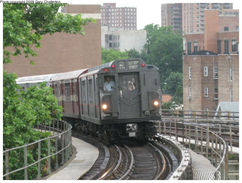 (170k, 820x620)<br><b>Country:</b> United States<br><b>City:</b> New York<br><b>System:</b> New York City Transit<br><b>Line:</b> IRT White Plains Road Line<br><b>Location:</b> Gun Hill Road <br><b>Route:</b> Fan Trip<br><b>Car:</b> R-12 (American Car & Foundry, 1948) 5760 <br><b>Photo by:</b> Gary Chatterton<br><b>Date:</b> 6/20/2009<br><b>Viewed (this week/total):</b> 2 / 1674