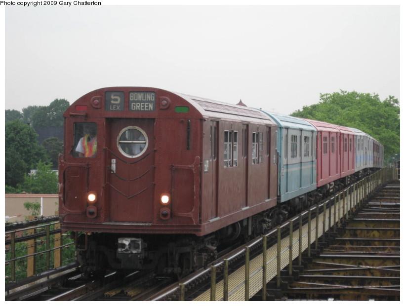 (108k, 820x620)<br><b>Country:</b> United States<br><b>City:</b> New York<br><b>System:</b> New York City Transit<br><b>Line:</b> IRT White Plains Road Line<br><b>Location:</b> Gun Hill Road <br><b>Route:</b> Fan Trip<br><b>Car:</b> R-17 (St. Louis, 1955-56) 6609 <br><b>Photo by:</b> Gary Chatterton<br><b>Date:</b> 6/20/2009<br><b>Viewed (this week/total):</b> 4 / 1506