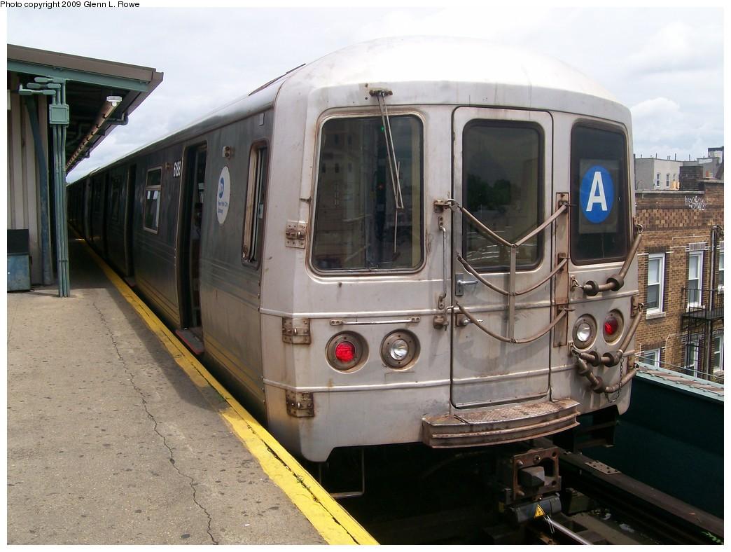 (206k, 1044x788)<br><b>Country:</b> United States<br><b>City:</b> New York<br><b>System:</b> New York City Transit<br><b>Line:</b> IND Fulton Street Line<br><b>Location:</b> Lefferts Boulevard <br><b>Route:</b> A<br><b>Car:</b> R-46 (Pullman-Standard, 1974-75) 6188 <br><b>Photo by:</b> Glenn L. Rowe<br><b>Date:</b> 6/22/2009<br><b>Viewed (this week/total):</b> 0 / 794