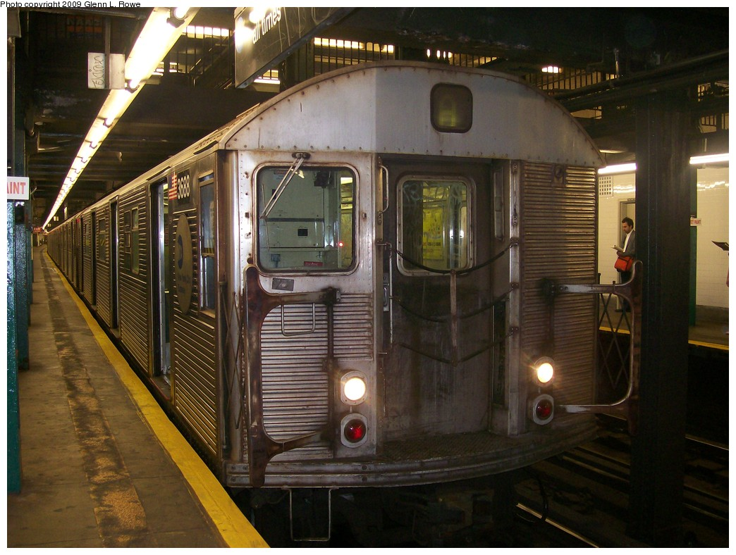(221k, 1044x788)<br><b>Country:</b> United States<br><b>City:</b> New York<br><b>System:</b> New York City Transit<br><b>Line:</b> IND 8th Avenue Line<br><b>Location:</b> 181st Street <br><b>Route:</b> A<br><b>Car:</b> R-32 (Budd, 1964)  3688 <br><b>Photo by:</b> Glenn L. Rowe<br><b>Date:</b> 6/30/2009<br><b>Viewed (this week/total):</b> 0 / 1515