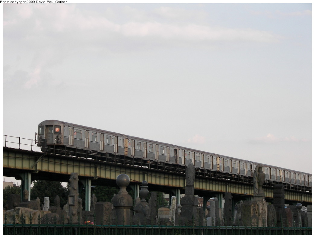 (187k, 1044x788)<br><b>Country:</b> United States<br><b>City:</b> New York<br><b>System:</b> New York City Transit<br><b>Line:</b> BMT Culver Line<br><b>Location:</b> Bay Parkway (22nd Avenue) <br><b>Route:</b> F<br><b>Car:</b> R-40M (St. Louis, 1969)  4488 <br><b>Photo by:</b> David-Paul Gerber<br><b>Date:</b> 6/29/2009<br><b>Viewed (this week/total):</b> 5 / 1379