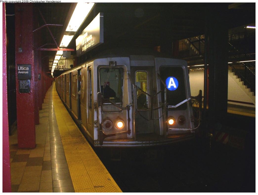 (249k, 1044x788)<br><b>Country:</b> United States<br><b>City:</b> New York<br><b>System:</b> New York City Transit<br><b>Line:</b> IND Fulton Street Line<br><b>Location:</b> Utica Avenue <br><b>Route:</b> A<br><b>Car:</b> R-40 (St. Louis, 1968)  4219 <br><b>Photo by:</b> Christopher Henderson<br><b>Date:</b> 6/5/2009<br><b>Viewed (this week/total):</b> 1 / 1443