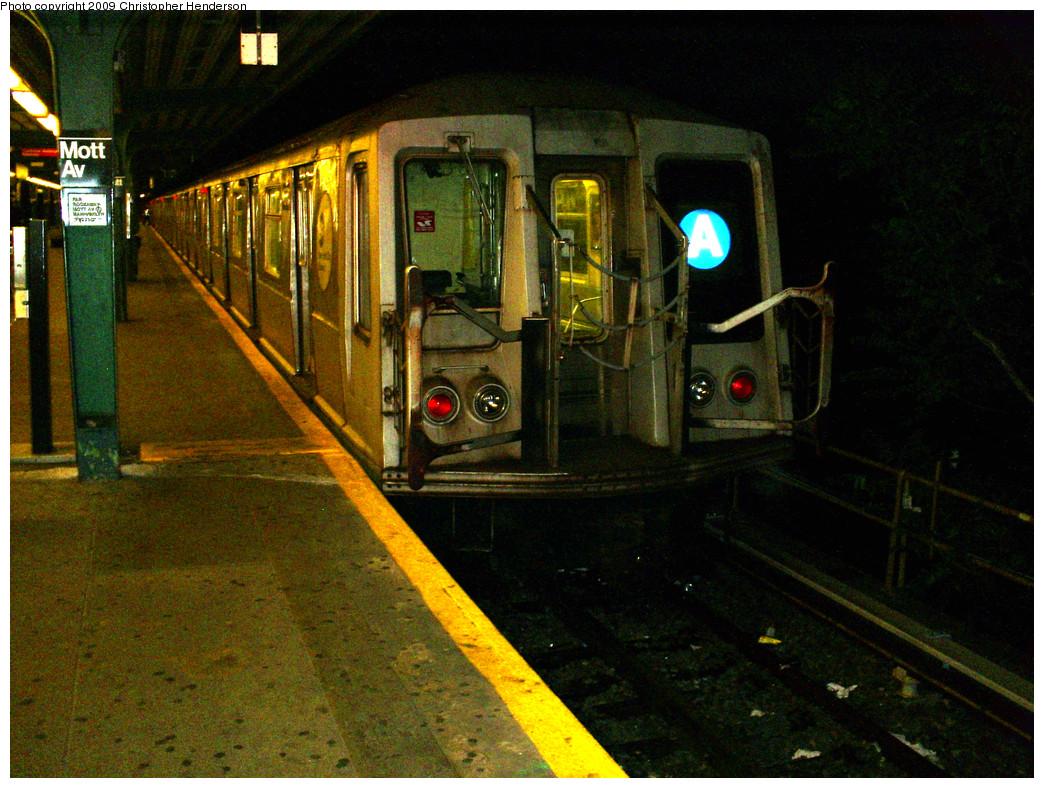 (343k, 1044x788)<br><b>Country:</b> United States<br><b>City:</b> New York<br><b>System:</b> New York City Transit<br><b>Line:</b> IND Rockaway<br><b>Location:</b> Mott Avenue/Far Rockaway <br><b>Route:</b> A<br><b>Car:</b> R-40 (St. Louis, 1968)  4219 <br><b>Photo by:</b> Christopher Henderson<br><b>Date:</b> 6/7/2009<br><b>Viewed (this week/total):</b> 0 / 961