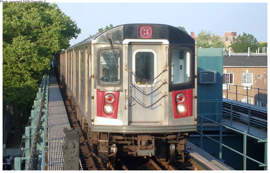 (287k, 1044x671)<br><b>Country:</b> United States<br><b>City:</b> New York<br><b>System:</b> New York City Transit<br><b>Line:</b> IRT Brooklyn Line<br><b>Location:</b> Saratoga Avenue <br><b>Route:</b> 3<br><b>Car:</b> R-142 or R-142A (Number Unknown)  <br><b>Photo by:</b> Oswaldo C.<br><b>Date:</b> 5/31/2009<br><b>Viewed (this week/total):</b> 1 / 2019