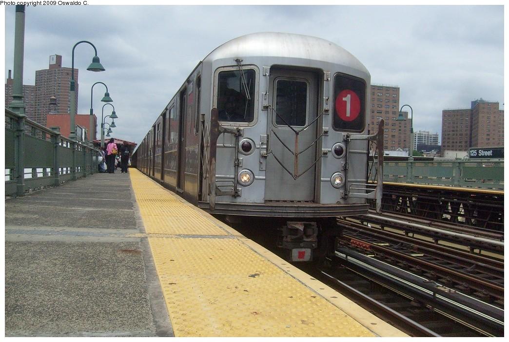 (262k, 1044x702)<br><b>Country:</b> United States<br><b>City:</b> New York<br><b>System:</b> New York City Transit<br><b>Line:</b> IRT West Side Line<br><b>Location:</b> 125th Street <br><b>Route:</b> 1<br><b>Car:</b> R-62A (Bombardier, 1984-1987)   <br><b>Photo by:</b> Oswaldo C.<br><b>Date:</b> 6/16/2009<br><b>Viewed (this week/total):</b> 0 / 1252
