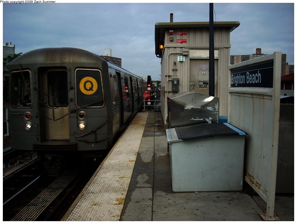 (221k, 1044x788)<br><b>Country:</b> United States<br><b>City:</b> New York<br><b>System:</b> New York City Transit<br><b>Line:</b> BMT Brighton Line<br><b>Location:</b> Brighton Beach <br><b>Route:</b> Q<br><b>Car:</b> R-68A (Kawasaki, 1988-1989)   <br><b>Photo by:</b> Zach Summer<br><b>Date:</b> 6/6/2009<br><b>Viewed (this week/total):</b> 0 / 1087