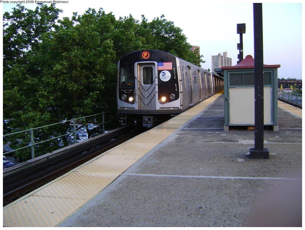 (290k, 1044x788)<br><b>Country:</b> United States<br><b>City:</b> New York<br><b>System:</b> New York City Transit<br><b>Line:</b> BMT Culver Line<br><b>Location:</b> Neptune Avenue <br><b>Route:</b> F<br><b>Car:</b> R-160A (Option 1) (Alstom, 2008-2009, 5 car sets)  9434 <br><b>Photo by:</b> Emmanuel Robinson<br><b>Date:</b> 6/25/2009<br><b>Viewed (this week/total):</b> 1 / 1499