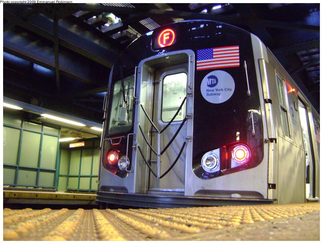 (282k, 1044x788)<br><b>Country:</b> United States<br><b>City:</b> New York<br><b>System:</b> New York City Transit<br><b>Line:</b> BMT Culver Line<br><b>Location:</b> West 8th Street <br><b>Route:</b> F<br><b>Car:</b> R-160B (Option 1) (Kawasaki, 2008-2009)  9143 <br><b>Photo by:</b> Emmanuel Robinson<br><b>Date:</b> 6/25/2009<br><b>Viewed (this week/total):</b> 0 / 1953