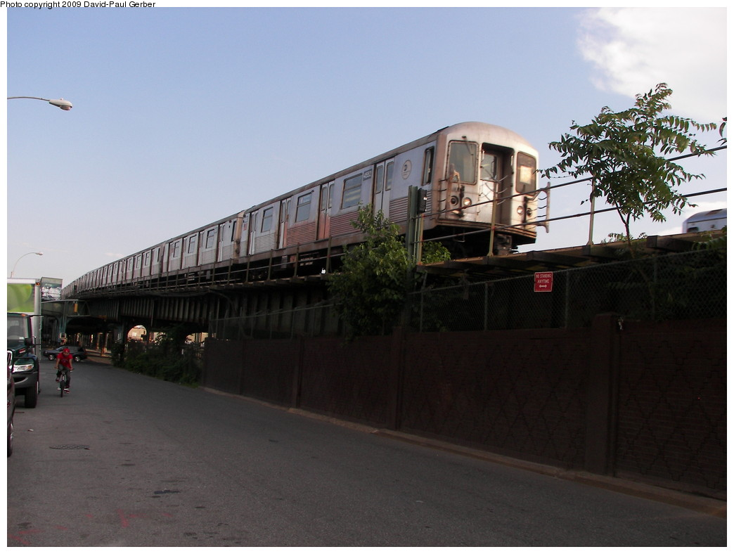 (220k, 1044x788)<br><b>Country:</b> United States<br><b>City:</b> New York<br><b>System:</b> New York City Transit<br><b>Line:</b> BMT Culver Line<br><b>Location:</b> Ditmas Avenue <br><b>Route:</b> F<br><b>Car:</b> R-42 (St. Louis, 1969-1970)  4552 <br><b>Photo by:</b> David-Paul Gerber<br><b>Date:</b> 7/1/2009<br><b>Viewed (this week/total):</b> 0 / 1642