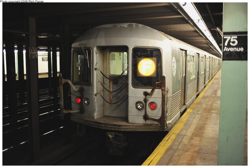 (139k, 1044x701)<br><b>Country:</b> United States<br><b>City:</b> New York<br><b>System:</b> New York City Transit<br><b>Line:</b> IND Queens Boulevard Line<br><b>Location:</b> 75th Avenue <br><b>Route:</b> F<br><b>Car:</b> R-42 (St. Louis, 1969-1970)   <br><b>Photo by:</b> Richard Panse<br><b>Date:</b> 6/8/2009<br><b>Viewed (this week/total):</b> 0 / 1664
