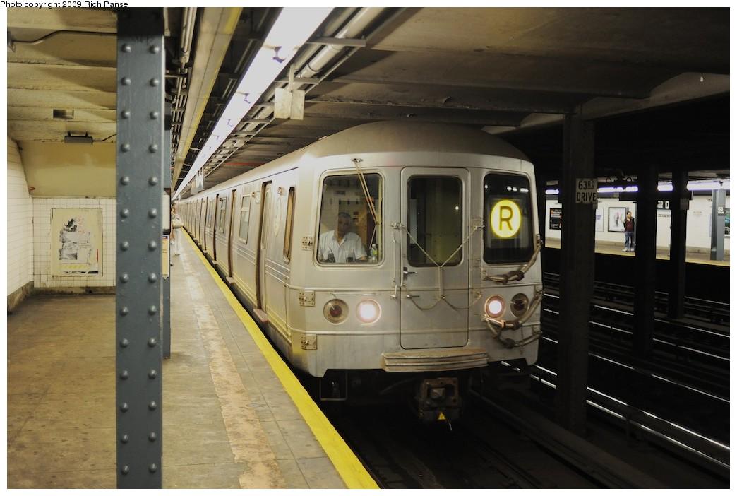 (167k, 1044x702)<br><b>Country:</b> United States<br><b>City:</b> New York<br><b>System:</b> New York City Transit<br><b>Line:</b> IND Queens Boulevard Line<br><b>Location:</b> 63rd Drive/Rego Park <br><b>Route:</b> R<br><b>Car:</b> R-46 (Pullman-Standard, 1974-75)  <br><b>Photo by:</b> Richard Panse<br><b>Date:</b> 6/8/2009<br><b>Viewed (this week/total):</b> 3 / 1688
