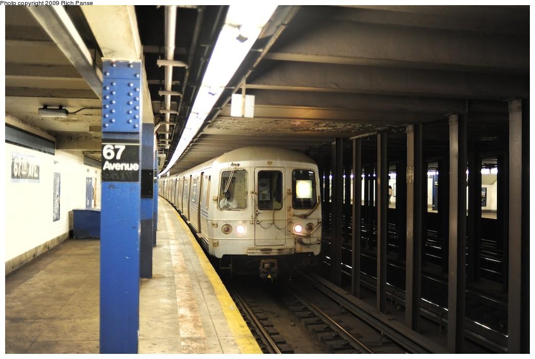 (158k, 1044x701)<br><b>Country:</b> United States<br><b>City:</b> New York<br><b>System:</b> New York City Transit<br><b>Line:</b> IND Queens Boulevard Line<br><b>Location:</b> 67th Avenue <br><b>Route:</b> F<br><b>Car:</b> R-46 (Pullman-Standard, 1974-75)  <br><b>Photo by:</b> Richard Panse<br><b>Date:</b> 6/8/2009<br><b>Viewed (this week/total):</b> 3 / 2406