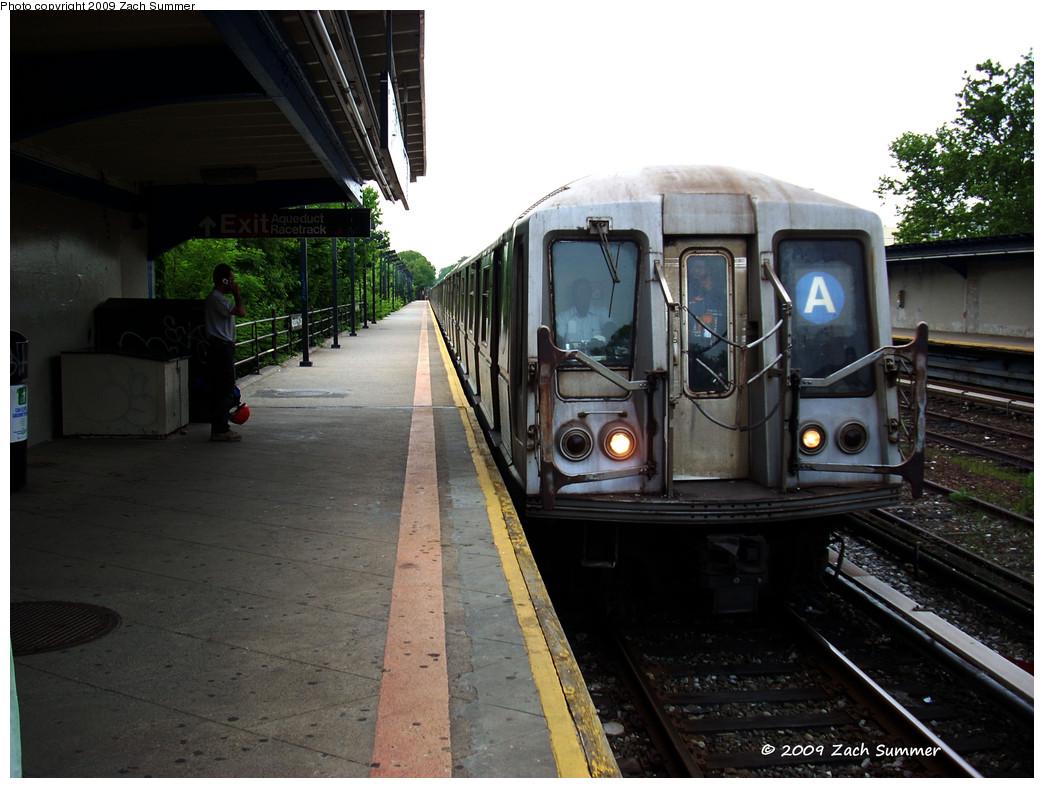 (249k, 1044x788)<br><b>Country:</b> United States<br><b>City:</b> New York<br><b>System:</b> New York City Transit<br><b>Line:</b> IND Rockaway<br><b>Location:</b> Aqueduct/North Conduit Avenue <br><b>Route:</b> A<br><b>Car:</b> R-40 (St. Louis, 1968)  4425 <br><b>Photo by:</b> Zach Summer<br><b>Date:</b> 6/8/2009<br><b>Viewed (this week/total):</b> 0 / 1231