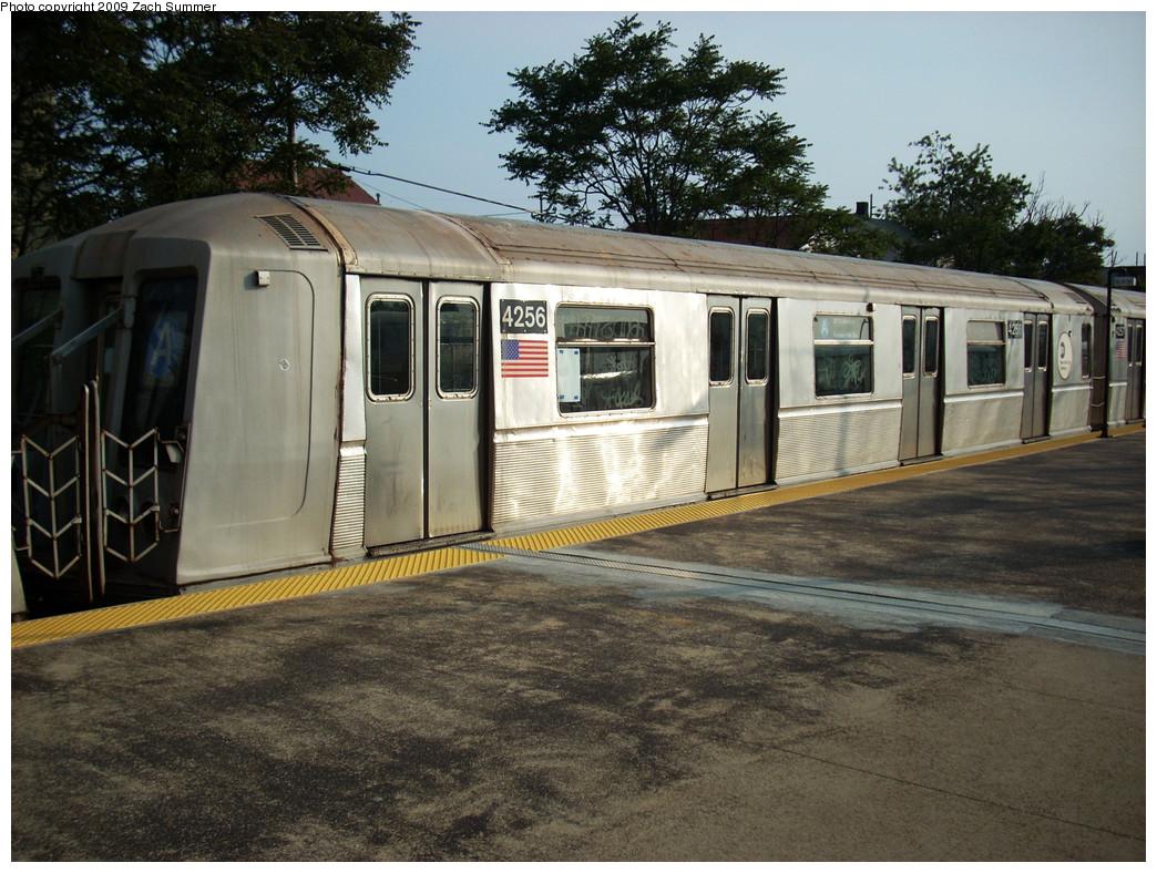 (313k, 1044x788)<br><b>Country:</b> United States<br><b>City:</b> New York<br><b>System:</b> New York City Transit<br><b>Line:</b> IND Rockaway<br><b>Location:</b> Rockaway Park/Beach 116th Street <br><b>Route:</b> A<br><b>Car:</b> R-40 (St. Louis, 1968)  4256 <br><b>Photo by:</b> Zach Summer<br><b>Date:</b> 6/8/2009<br><b>Viewed (this week/total):</b> 0 / 932