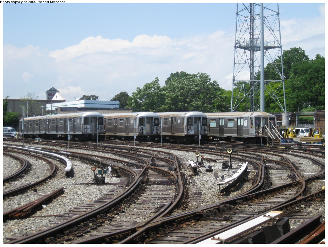(286k, 1044x788)<br><b>Country:</b> United States<br><b>City:</b> New York<br><b>System:</b> New York City Transit<br><b>Location:</b> East New York Yard/Shops<br><b>Car:</b> R-42 (St. Louis, 1969-1970)  4814?/4838/4800 <br><b>Photo by:</b> Robert Mencher<br><b>Date:</b> 6/15/2009<br><b>Notes:</b> With R40 4163 school car.<br><b>Viewed (this week/total):</b> 4 / 1504