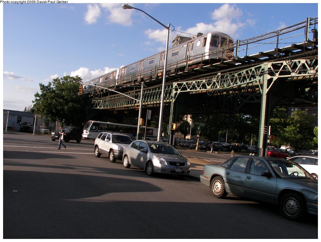 (285k, 1044x788)<br><b>Country:</b> United States<br><b>City:</b> New York<br><b>System:</b> New York City Transit<br><b>Line:</b> BMT Culver Line<br><b>Location:</b> Neptune Avenue <br><b>Route:</b> F<br><b>Car:</b> R-46 (Pullman-Standard, 1974-75) 5804 <br><b>Photo by:</b> David-Paul Gerber<br><b>Date:</b> 7/8/2009<br><b>Viewed (this week/total):</b> 0 / 1257