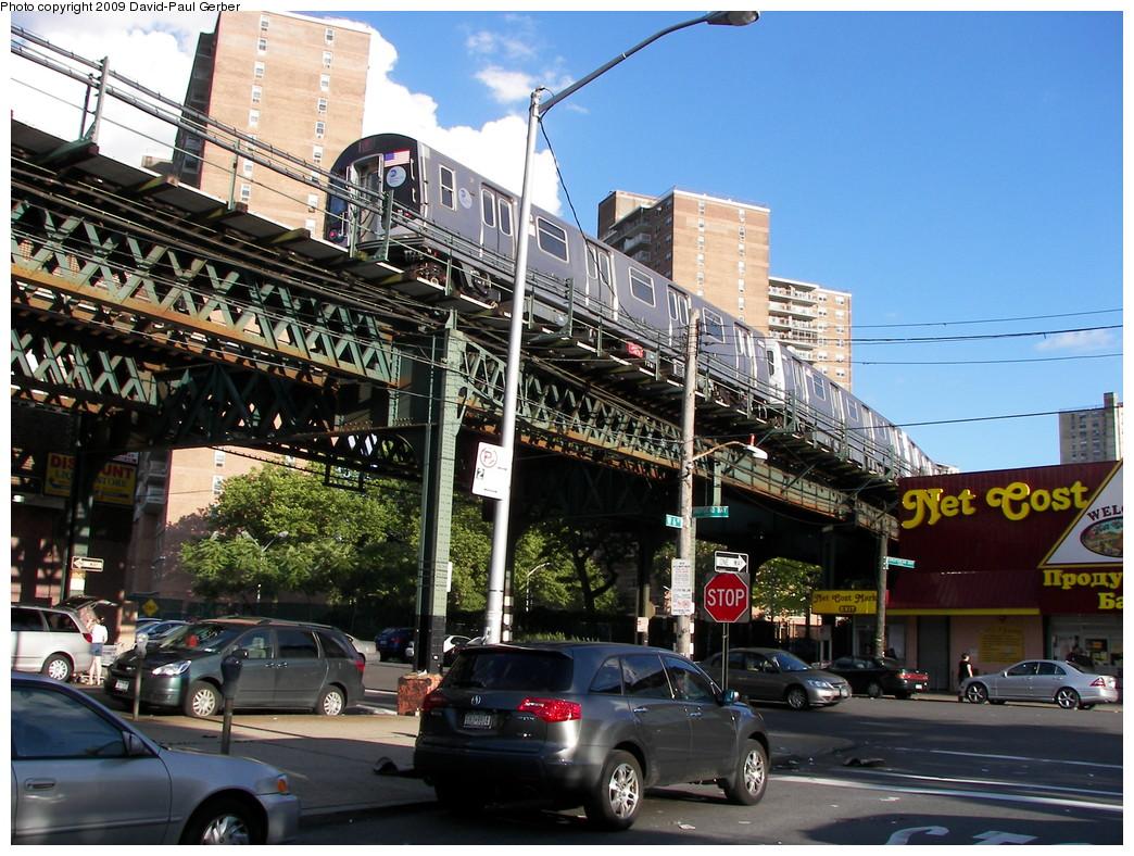 (333k, 1044x788)<br><b>Country:</b> United States<br><b>City:</b> New York<br><b>System:</b> New York City Transit<br><b>Line:</b> BMT Culver Line<br><b>Location:</b> Neptune Avenue <br><b>Route:</b> F<br><b>Car:</b> R-160A (Option 1) (Alstom, 2008-2009, 5 car sets)   <br><b>Photo by:</b> David-Paul Gerber<br><b>Date:</b> 7/8/2009<br><b>Viewed (this week/total):</b> 1 / 1593