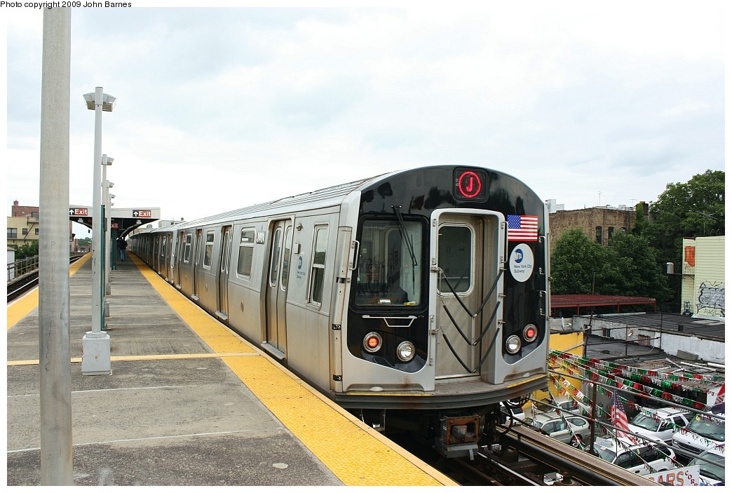 (211k, 1044x703)<br><b>Country:</b> United States<br><b>City:</b> New York<br><b>System:</b> New York City Transit<br><b>Line:</b> BMT Nassau Street/Jamaica Line<br><b>Location:</b> Van Siclen Avenue <br><b>Route:</b> J<br><b>Car:</b> R-160A-1 (Alstom, 2005-2008, 4 car sets)  8401 <br><b>Photo by:</b> John Barnes<br><b>Date:</b> 6/22/2009<br><b>Viewed (this week/total):</b> 0 / 1283
