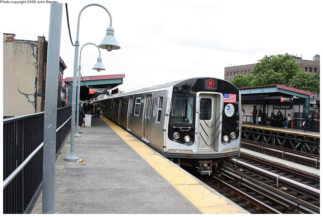(215k, 1044x703)<br><b>Country:</b> United States<br><b>City:</b> New York<br><b>System:</b> New York City Transit<br><b>Line:</b> BMT Nassau Street/Jamaica Line<br><b>Location:</b> Marcy Avenue <br><b>Route:</b> M<br><b>Car:</b> R-160A-1 (Alstom, 2005-2008, 4 car sets)  8592 <br><b>Photo by:</b> John Barnes<br><b>Date:</b> 6/22/2009<br><b>Viewed (this week/total):</b> 0 / 1067