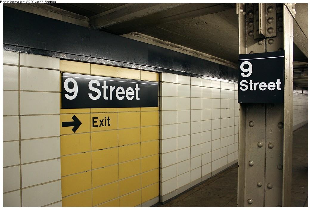 (184k, 1044x703)<br><b>Country:</b> United States<br><b>City:</b> New York<br><b>System:</b> New York City Transit<br><b>Line:</b> BMT 4th Avenue<br><b>Location:</b> 9th Street <br><b>Photo by:</b> John Barnes<br><b>Date:</b> 6/22/2009<br><b>Viewed (this week/total):</b> 0 / 870