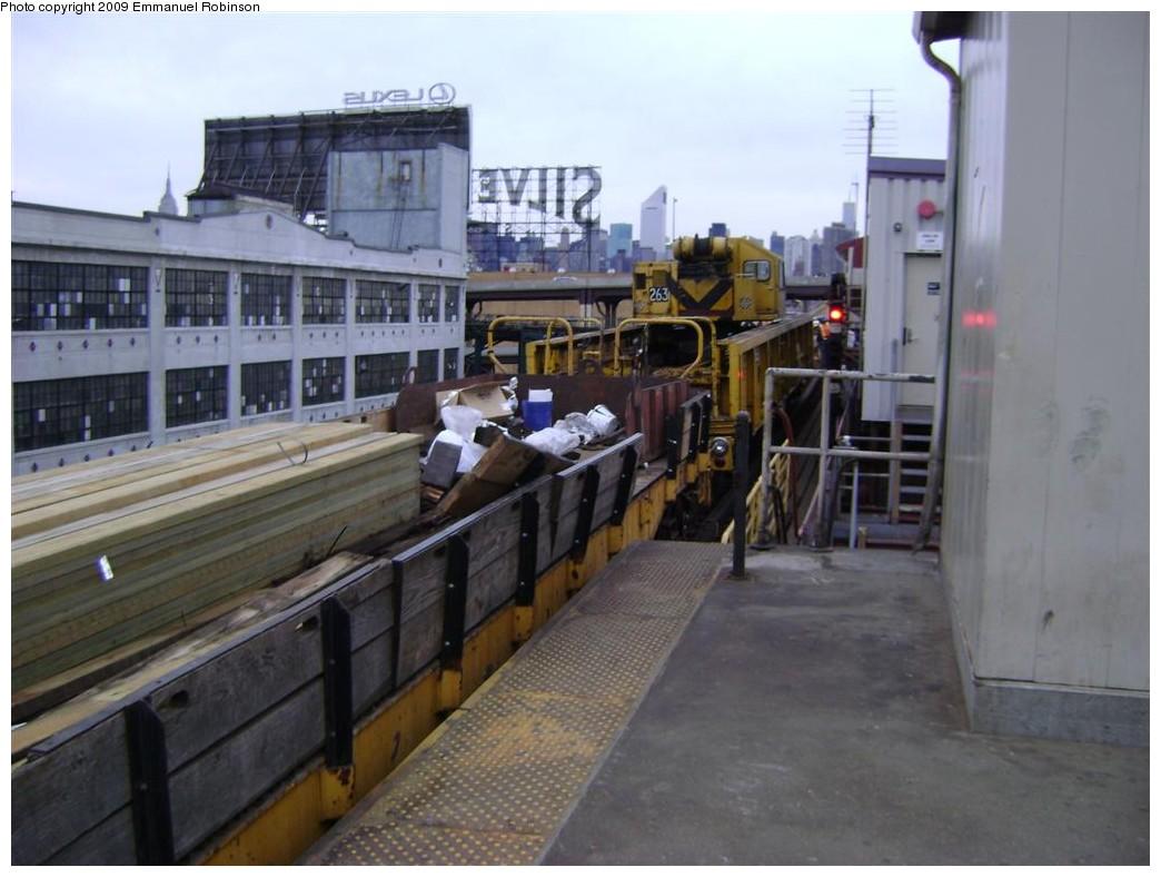 (173k, 1044x788)<br><b>Country:</b> United States<br><b>City:</b> New York<br><b>System:</b> New York City Transit<br><b>Line:</b> IRT Flushing Line<br><b>Location:</b> Queensborough Plaza <br><b>Route:</b> Work Service<br><b>Car:</b> R-113 Crane Car  263 <br><b>Photo by:</b> Emmanuel Robinson<br><b>Date:</b> 6/24/2009<br><b>Viewed (this week/total):</b> 0 / 1157