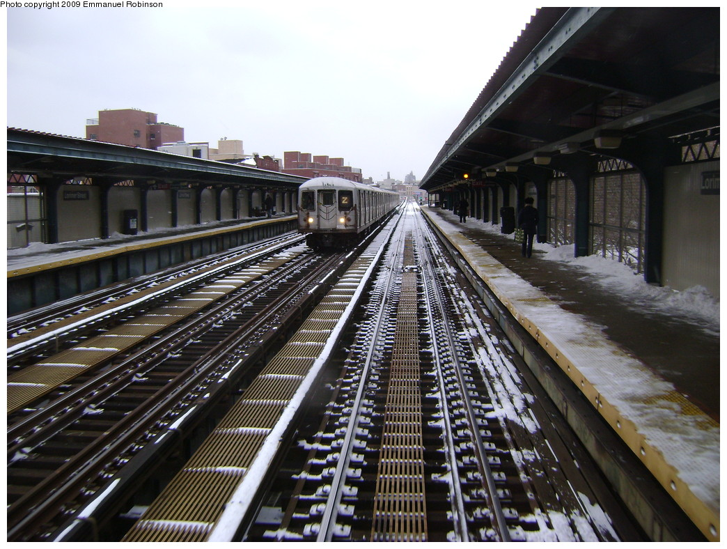 (283k, 1044x788)<br><b>Country:</b> United States<br><b>City:</b> New York<br><b>System:</b> New York City Transit<br><b>Line:</b> BMT Nassau Street-Jamaica Line<br><b>Location:</b> Lorimer Street<br><b>Route:</b> Z<br><b>Car:</b> R-42 (St. Louis, 1969-1970)  <br><b>Photo by:</b> Emmanuel Robinson<br><b>Date:</b> 3/2/2009<br><b>Viewed (this week/total):</b> 1 / 1717