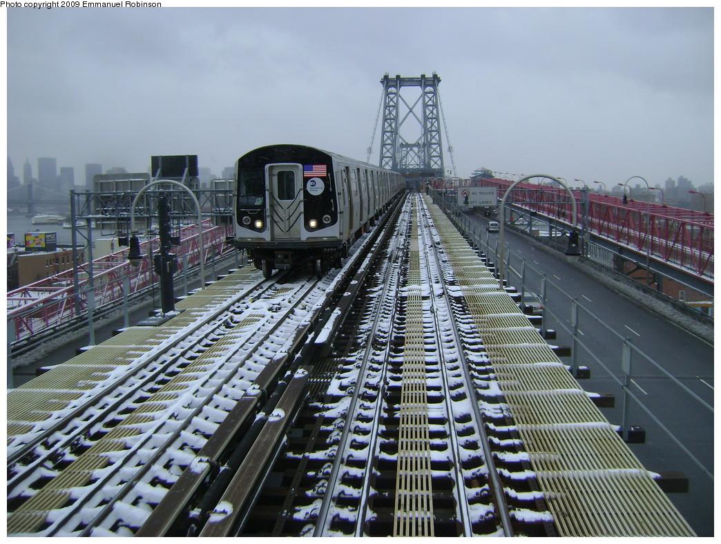 (299k, 1044x788)<br><b>Country:</b> United States<br><b>City:</b> New York<br><b>System:</b> New York City Transit<br><b>Line:</b> BMT Nassau Street/Jamaica Line<br><b>Location:</b> Williamsburg Bridge<br><b>Car:</b> R-160A-1 (Alstom, 2005-2008, 4 car sets)   <br><b>Photo by:</b> Emmanuel Robinson<br><b>Date:</b> 3/2/2009<br><b>Viewed (this week/total):</b> 0 / 1615