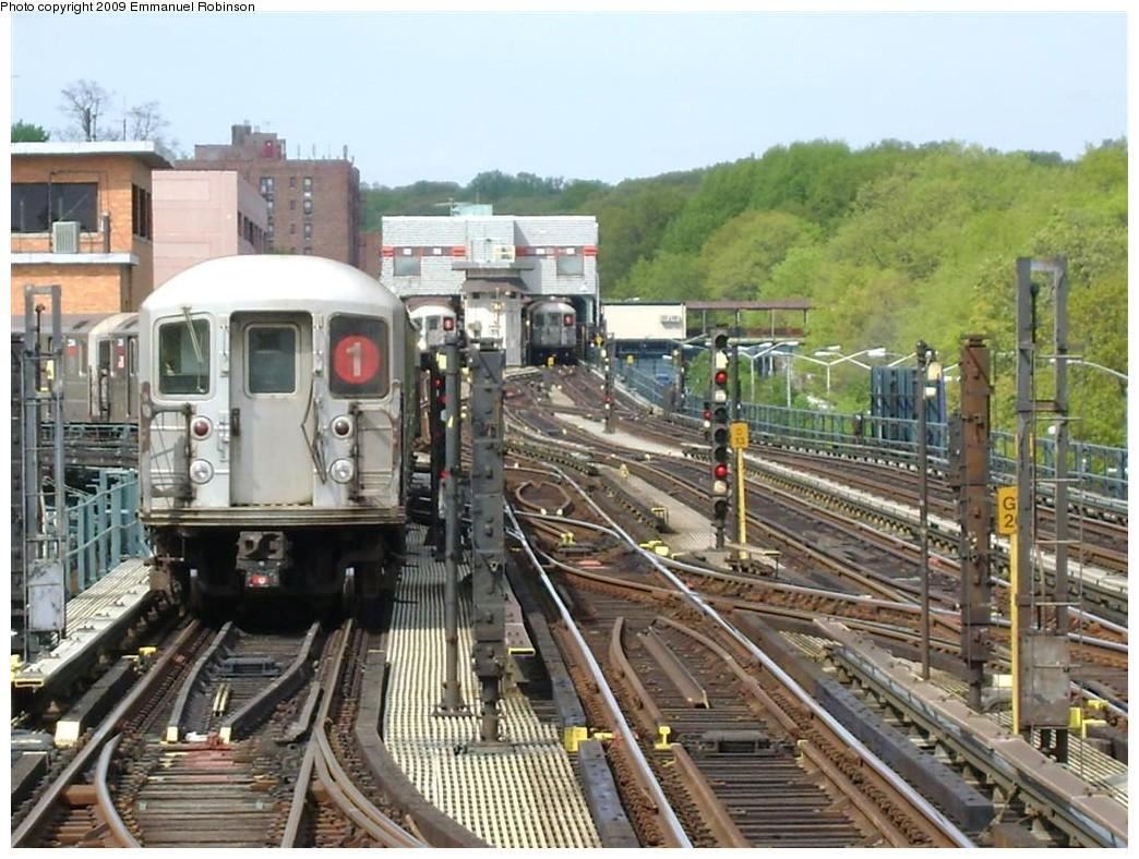 (241k, 1044x788)<br><b>Country:</b> United States<br><b>City:</b> New York<br><b>System:</b> New York City Transit<br><b>Line:</b> IRT West Side Line<br><b>Location:</b> 242nd Street/Van Cortlandt Park <br><b>Route:</b> 1<br><b>Car:</b> R-62A (Bombardier, 1984-1987)  2470 <br><b>Photo by:</b> Emmanuel Robinson<br><b>Date:</b> 6/24/2009<br><b>Viewed (this week/total):</b> 0 / 2942