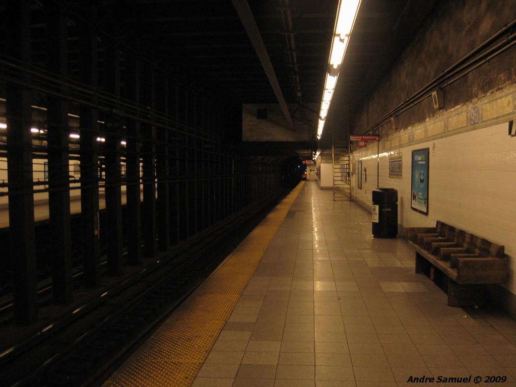 (174k, 1024x768)<br><b>Country:</b> United States<br><b>City:</b> New York<br><b>System:</b> New York City Transit<br><b>Line:</b> IRT East Side Line<br><b>Location:</b> 96th Street <br><b>Photo by:</b> Andre Samuel<br><b>Date:</b> 5/25/2009<br><b>Viewed (this week/total):</b> 1 / 949