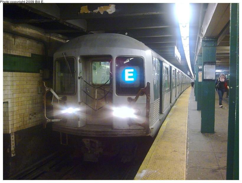 (124k, 820x620)<br><b>Country:</b> United States<br><b>City:</b> New York<br><b>System:</b> New York City Transit<br><b>Line:</b> IND 8th Avenue Line<br><b>Location:</b> West 4th Street/Washington Square <br><b>Route:</b> E<br><b>Car:</b> R-42 (St. Louis, 1969-1970)   <br><b>Photo by:</b> Bill E.<br><b>Date:</b> 6/12/2009<br><b>Viewed (this week/total):</b> 0 / 1944
