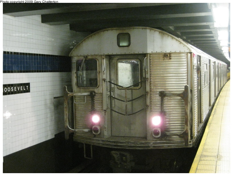(126k, 820x620)<br><b>Country:</b> United States<br><b>City:</b> New York<br><b>System:</b> New York City Transit<br><b>Line:</b> IND Queens Boulevard Line<br><b>Location:</b> Roosevelt Avenue <br><b>Route:</b> Work Service<br><b>Car:</b> R-32 (Budd, 1964)  3746 <br><b>Photo by:</b> Gary Chatterton<br><b>Date:</b> 7/3/2009<br><b>Viewed (this week/total):</b> 5 / 1321