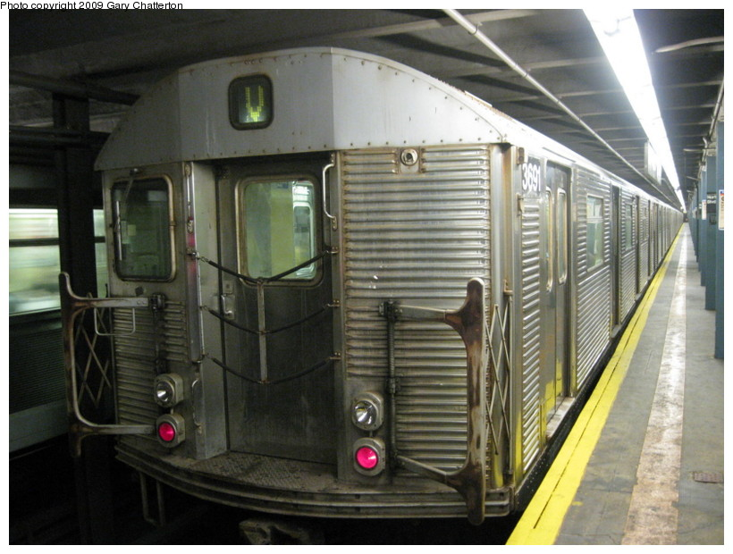 (138k, 820x620)<br><b>Country:</b> United States<br><b>City:</b> New York<br><b>System:</b> New York City Transit<br><b>Line:</b> IND Queens Boulevard Line<br><b>Location:</b> Northern Boulevard <br><b>Route:</b> V<br><b>Car:</b> R-32 (Budd, 1964)  3691 <br><b>Photo by:</b> Gary Chatterton<br><b>Date:</b> 7/9/2009<br><b>Viewed (this week/total):</b> 3 / 1571