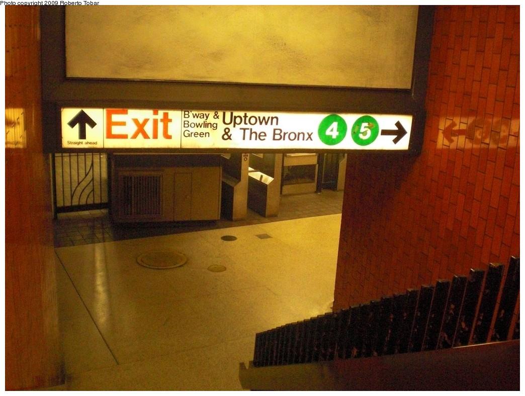 (239k, 1044x788)<br><b>Country:</b> United States<br><b>City:</b> New York<br><b>System:</b> New York City Transit<br><b>Line:</b> IRT East Side Line<br><b>Location:</b> Bowling Green <br><b>Photo by:</b> Roberto C. Tobar<br><b>Date:</b> 7/10/2009<br><b>Notes:</b> Underpass to exit.<br><b>Viewed (this week/total):</b> 0 / 1389