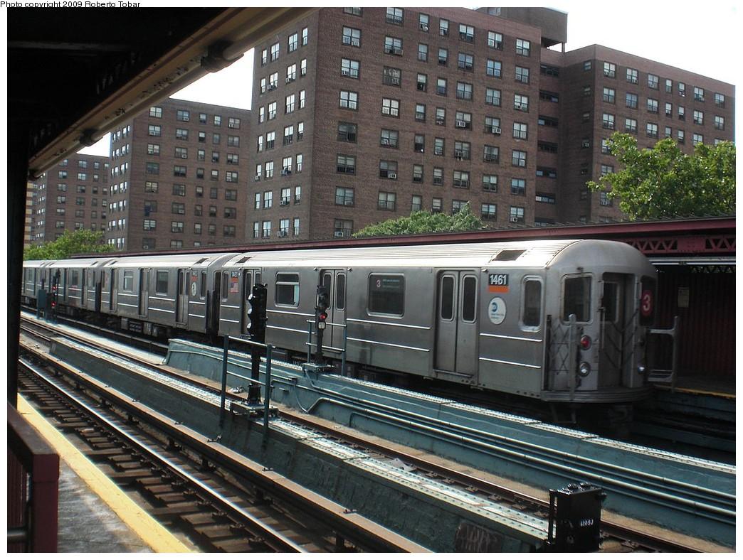 (294k, 1044x788)<br><b>Country:</b> United States<br><b>City:</b> New York<br><b>System:</b> New York City Transit<br><b>Line:</b> IRT Brooklyn Line<br><b>Location:</b> Junius Street <br><b>Route:</b> 3<br><b>Car:</b> R-62 (Kawasaki, 1983-1985)  1461 <br><b>Photo by:</b> Roberto C. Tobar<br><b>Date:</b> 6/27/2009<br><b>Viewed (this week/total):</b> 0 / 1378