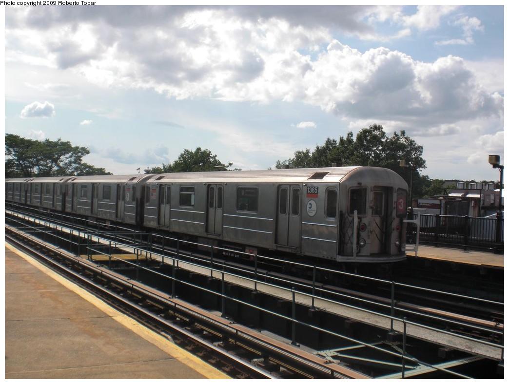 (226k, 1044x788)<br><b>Country:</b> United States<br><b>City:</b> New York<br><b>System:</b> New York City Transit<br><b>Line:</b> IRT Brooklyn Line<br><b>Location:</b> Rockaway Avenue <br><b>Route:</b> 3<br><b>Car:</b> R-62 (Kawasaki, 1983-1985)  1365 <br><b>Photo by:</b> Roberto C. Tobar<br><b>Date:</b> 6/27/2009<br><b>Viewed (this week/total):</b> 2 / 1116