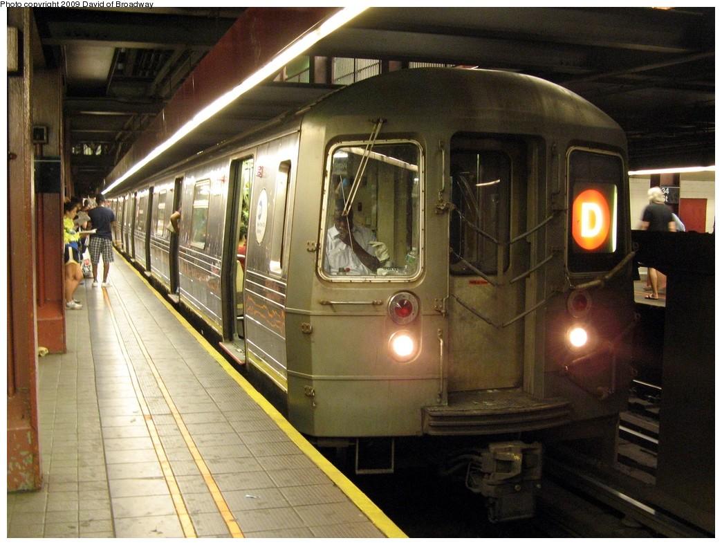 (226k, 1044x788)<br><b>Country:</b> United States<br><b>City:</b> New York<br><b>System:</b> New York City Transit<br><b>Line:</b> IND 6th Avenue Line<br><b>Location:</b> 34th Street/Herald Square <br><b>Route:</b> D<br><b>Car:</b> R-68 (Westinghouse-Amrail, 1986-1988)   <br><b>Photo by:</b> David of Broadway<br><b>Date:</b> 7/13/2009<br><b>Viewed (this week/total):</b> 1 / 1546